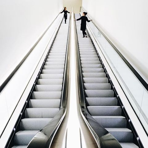 Escalator, Stairs, Brown, Yellow, Standing, Comfort, Line, Style, Urban area, Parallel,