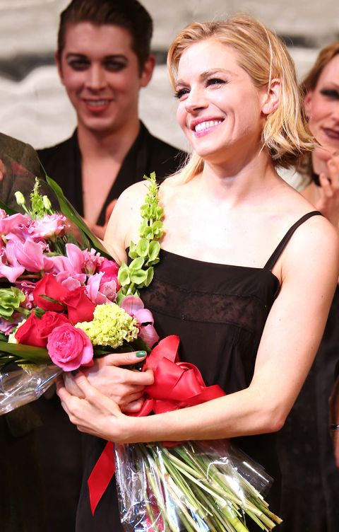 Hair, Face, Smile, Eye, Hairstyle, Petal, Bouquet, Flower, Dress, Happy,
