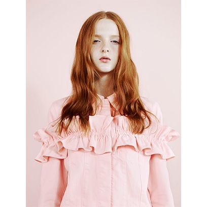 Clothing, Hairstyle, Sleeve, Shoulder, Collar, Pink, Style, Fashion, Long hair, Pattern,