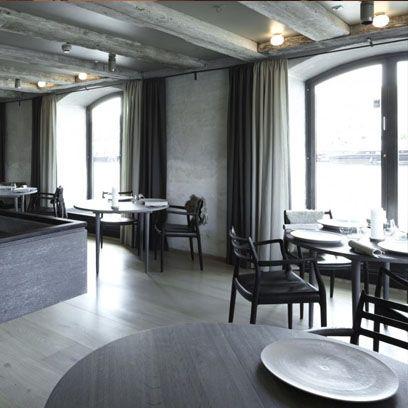 Room, Wood, Interior design, Floor, Table, Furniture, Ceiling, Flooring, Hardwood, Glass,