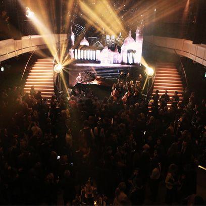 Entertainment, Crowd, Performing arts, Stage, Audience, Music venue, Performance, Performing arts center, Fan, Auditorium,