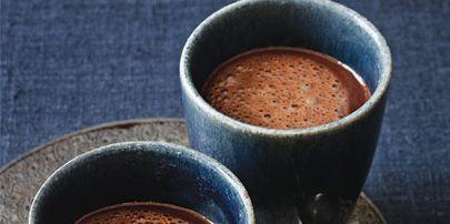 Serveware, Brown, Drinkware, Cup, Ingredient, Drink, Coffee cup, Tableware, Dishware, Coffee,