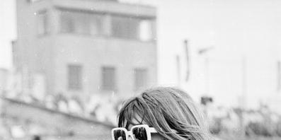 Photograph, Eyewear, White, Black-and-white, Black, Sunglasses, Street fashion, Snapshot, Monochrome, Beauty,
