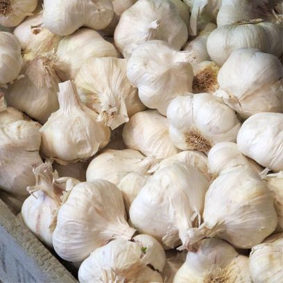 Whole food, Local food, Food, Natural foods, Vegan nutrition, Vegetable, Ingredient, Garlic, Produce, Elephant garlic,