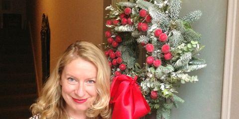 Sleeve, Sweater, Cardigan, Christmas decoration, Cut flowers, Flower Arranging, Bouquet, Long-sleeved t-shirt, Street fashion, Artificial flower,