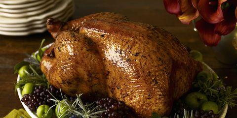 Food, Dishware, Serveware, Hendl, Tableware, Turkey meat, Ingredient, Cuisine, Roast goose, Plate,