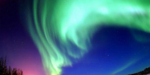 Aurora, Green, Winter, Natural landscape, Atmosphere, Landscape, Horizon, Space, Purple, Atmospheric phenomenon,