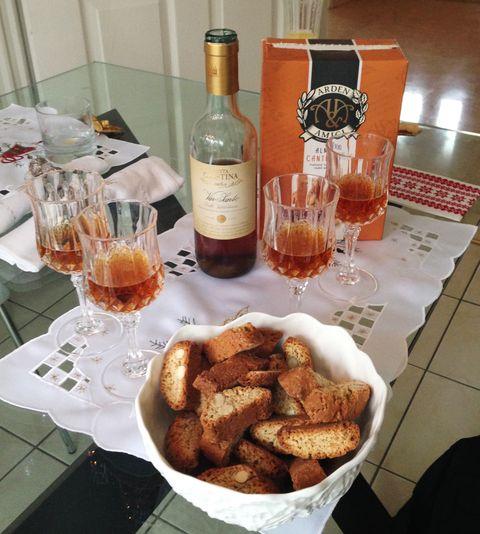 Drinkware, Glass bottle, Barware, Food, Bottle, Drink, Glass, Alcoholic beverage, Alcohol, Fried food,