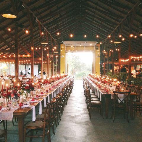 Function hall, Wedding banquet, Chiavari chair, Restaurant, Decoration, Rehearsal dinner, Aisle, Banquet, Building, Event,