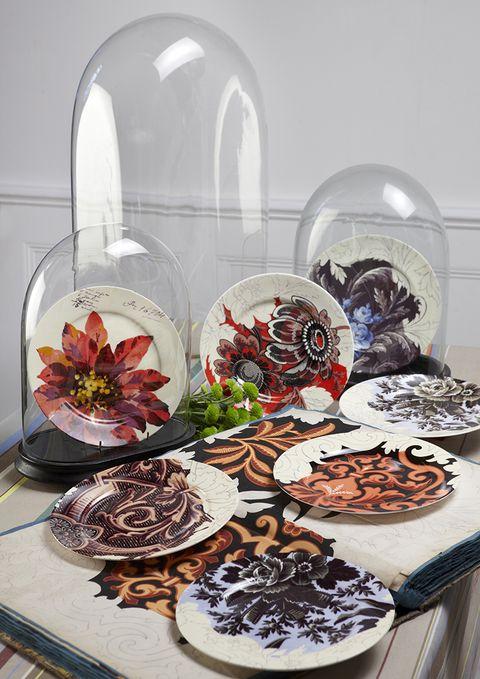 Cuisine, Dishware, Glass, Serveware, Petal, Dish, Plate, Sweetness, Dessert, Recipe,