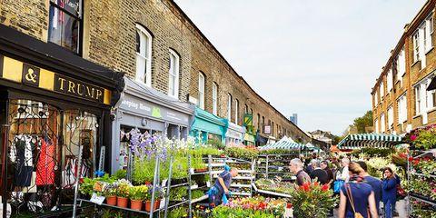 Public space, Retail, Flowerpot, Marketplace, Town, City, Market, Trade, Mixed-use, Human settlement,