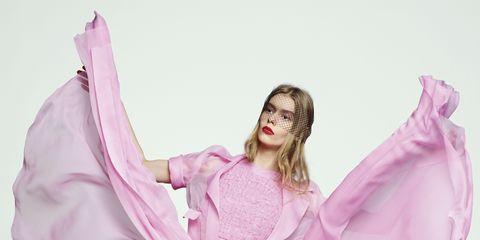 Mouth, Costume design, Pink, Purple, Magenta, Dancer, Costume, Art, Fashion, Costume accessory,