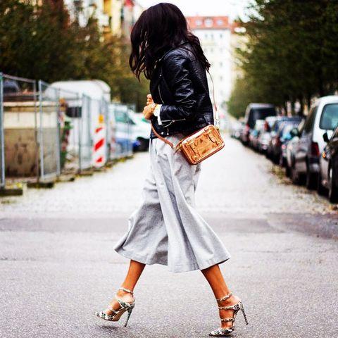 Clothing, Brown, Sleeve, Textile, Human leg, Outerwear, Bag, Street fashion, Style, Fashion accessory,