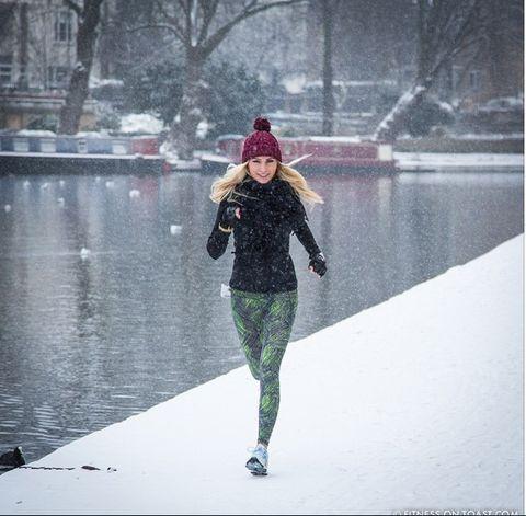 Winter, Sleeve, Freezing, Jacket, Street fashion, Snow, Knee, Active pants, Snapshot, Reflection,
