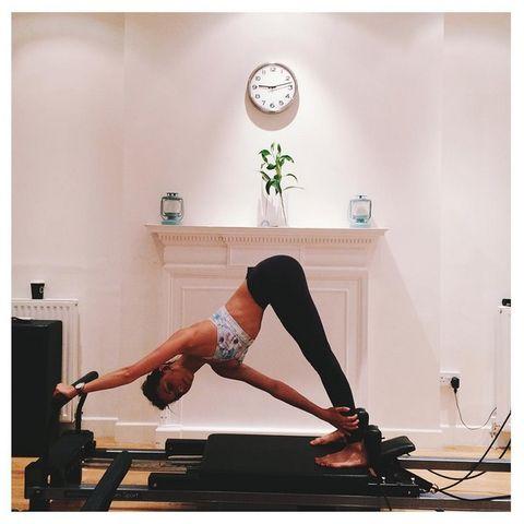 Leg, Human leg, Shoulder, Room, Elbow, Wrist, Joint, Exercise, Physical fitness, Knee,