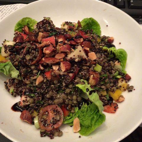 Food, Dishware, Leaf vegetable, Tableware, Plate, Cuisine, Produce, Ingredient, Vegetable, Salad,