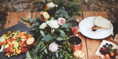 Cuisine, Petal, Food, Dishware, Dish, Serveware, Meal, Flowering plant, Brunch, Finger food,