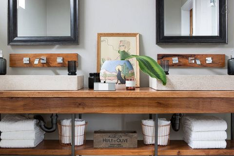 Room, Interior design, Plumbing fixture, Mirror, Picture frame, Tap, Shelving, Sink, Plywood, Plumbing,