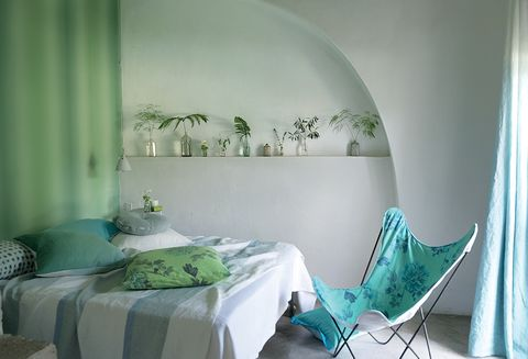 Green, Interior design, Room, Textile, Wall, Teal, Linens, Turquoise, Aqua, Pillow,