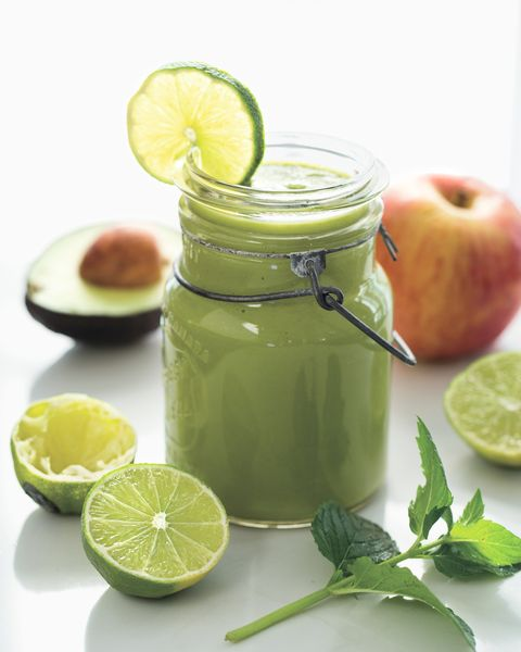 Lime, Key lime, Food, Limonana, Vegetable juice, Lemon, Persian lime, Citrus, Drink, Ingredient,