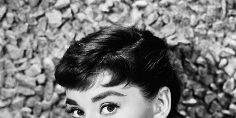 Ear, Lip, Hairstyle, Forehead, Eyebrow, Style, Monochrome photography, Monochrome, Black hair, Eyelash,