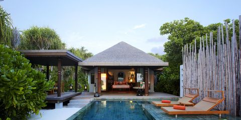 Swimming pool, Property, House, Building, Resort, Reflecting pool, Home, Real estate, Backyard, Estate,
