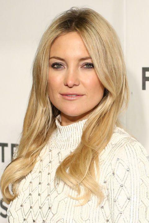 Hair, Blond, Face, Hairstyle, Eyebrow, Layered hair, Long hair, Chin, Lip, Hair coloring,