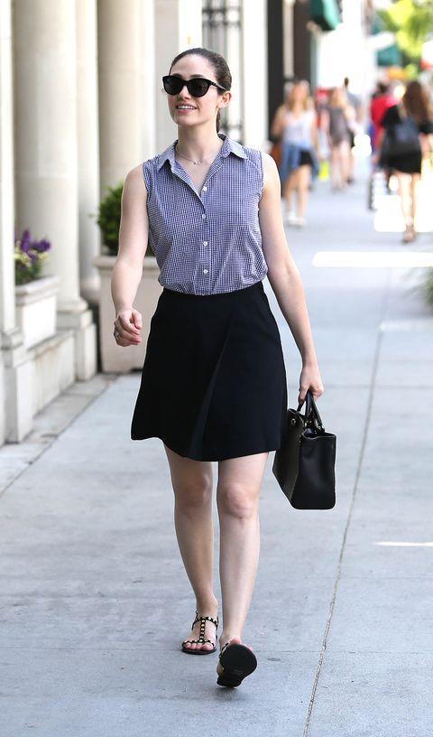 Clothing, Eyewear, Leg, Sleeve, Shoulder, Human leg, Textile, Joint, White, Sunglasses,