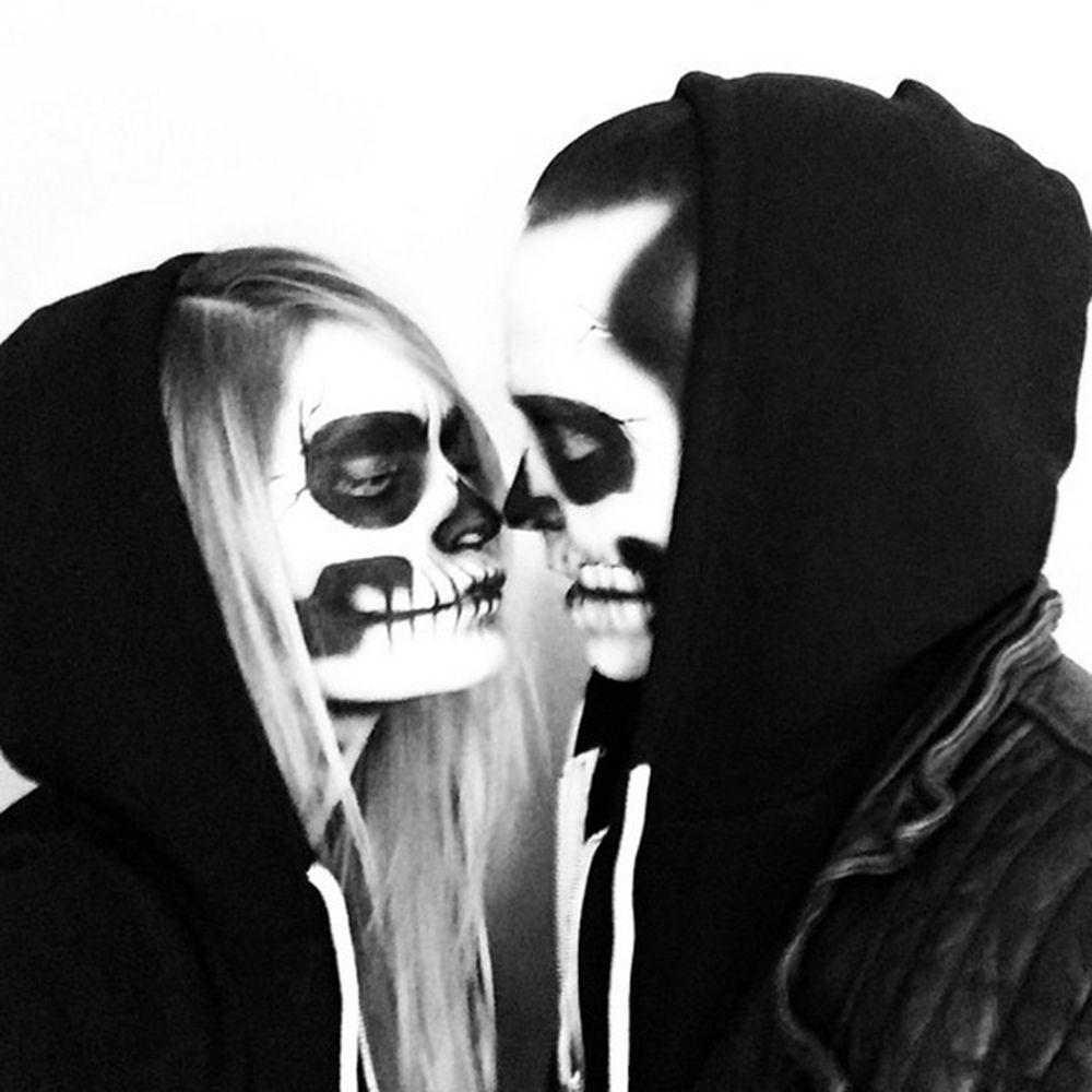 https://hips.hearstapps.com/ame-prod-redonline-assets.s3.amazonaws.com/main/gallery/20691/aaron-and-lauren-paul-skeletons.jpg