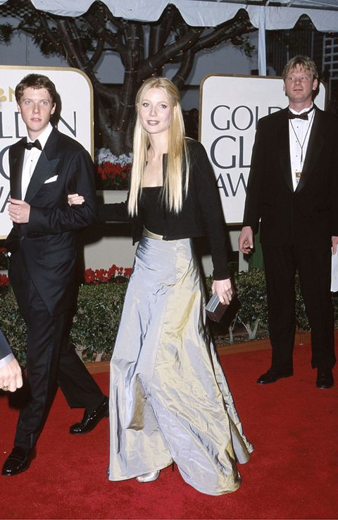 Red carpet, Carpet, Suit, Formal wear, Event, Flooring, Tuxedo, Fashion, Dress, Premiere,