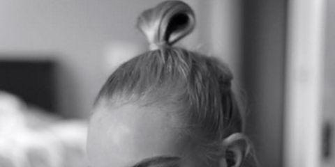 Face, Ear, Lip, Hairstyle, Forehead, Shoulder, Eyebrow, Eyelash, Style, Jaw,