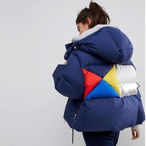Blue, Cobalt blue, Clothing, Shoulder, Jacket, Outerwear, Hood, Electric blue, Backpack, Joint,