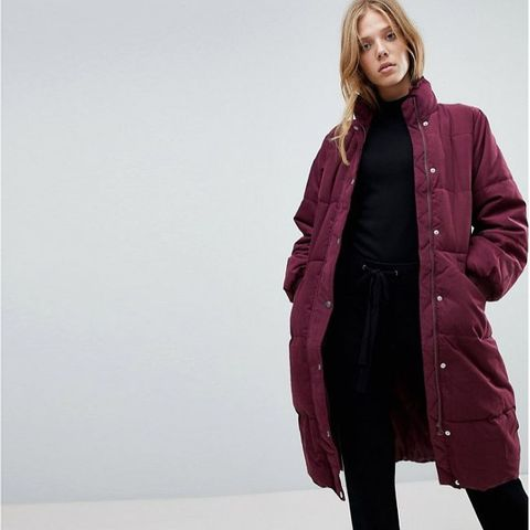 Clothing, Coat, Overcoat, Outerwear, Parka, Fashion, Jacket, Hood, Sleeve, Fur,