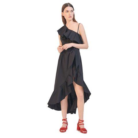 Clothing, Dress, Shoulder, Black, Fashion model, Cocktail dress, Day dress, Footwear, Neck, Joint,