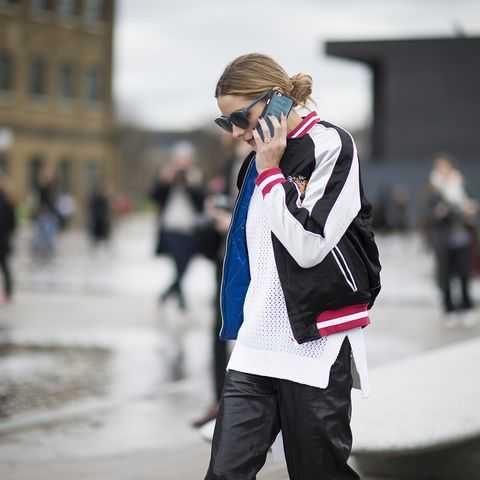 Winter, Street fashion, Jacket, Luggage and bags, Bag, Glove, Blond, Ice skate, Brown hair, sweatpant,