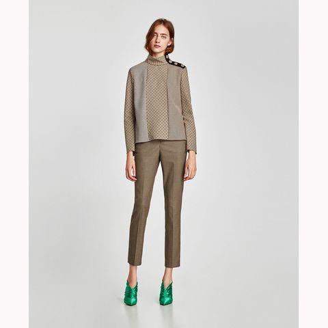 Clothing, Neck, Beige, Khaki, Shoulder, Outerwear, Trousers, Pocket, Fashion, Sleeve,