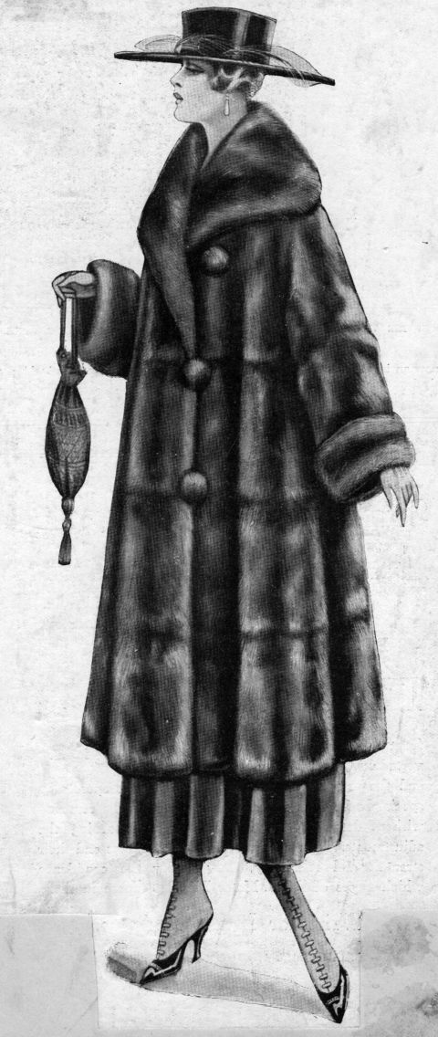 Sleeve, Textile, Standing, Style, Grey, Costume, Costume design, Fur, Monochrome, Overcoat,