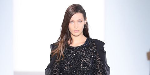Sleeve, Fashion show, Shoulder, Joint, Dress, Fashion model, Runway, Style, Waist, Fashion,