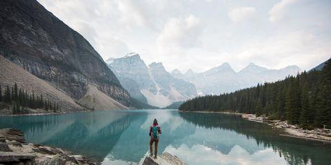 Body of water, Mountain, Mountainous landforms, Nature, Wilderness, Lake, Reflection, Tarn, Glacial lake, Moraine,