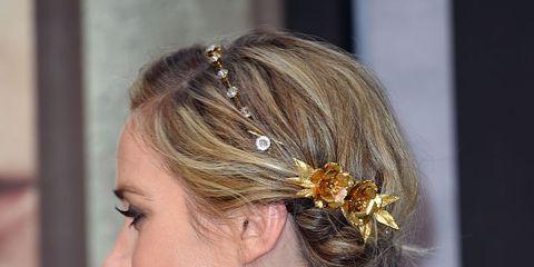Ear, Hairstyle, Hair accessory, Style, Headpiece, Headgear, Fashion accessory, Fashion, Beauty, Day dress,