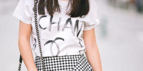 Clothing, White, Waist, Street fashion, Shoulder, Fashion, Black-and-white, Plaid, Neck, Pattern,