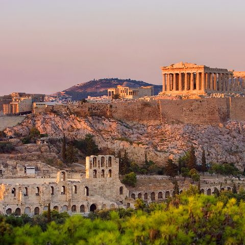 Landmark, Sky, Ancient history, Historic site, Building, Architecture, History, Ruins, Fortification, City,