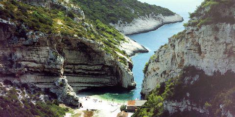 Cliff, Formation, Rock, Water, Klippe, Natural landscape, Coast, Nature reserve, Sea, Headland,