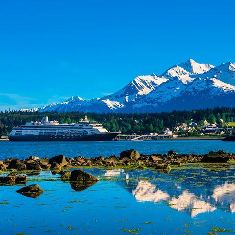 Body of water, Nature, Blue, Water, Sky, Mountain, Natural landscape, Mountain range, Reflection, Mountainous landforms,