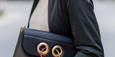 Bag, Street fashion, Handbag, Shoulder, Fashion accessory, Messenger bag, Outerwear, Coat, Satchel, Leather,