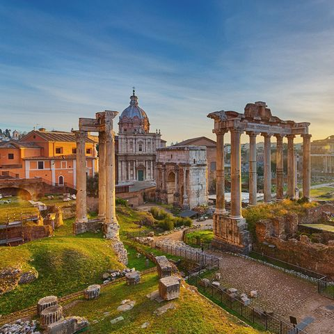 Sky, Landmark, Ancient history, Building, Ancient roman architecture, Architecture, Ruins, Column, Human settlement, Morning,