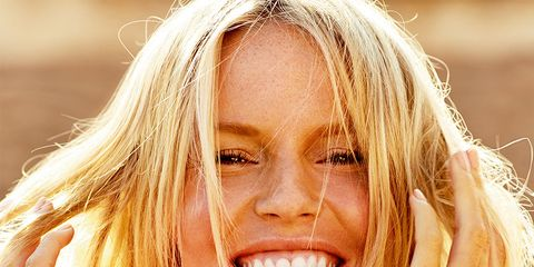 Hair, Face, Blond, Facial expression, Skin, Beauty, Hairstyle, Surfer hair, Smile, Nose,