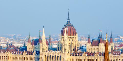 Landmark, City, Architecture, Government, Human settlement, Parliament, Building, Cityscape, Metropolis, Tourism,