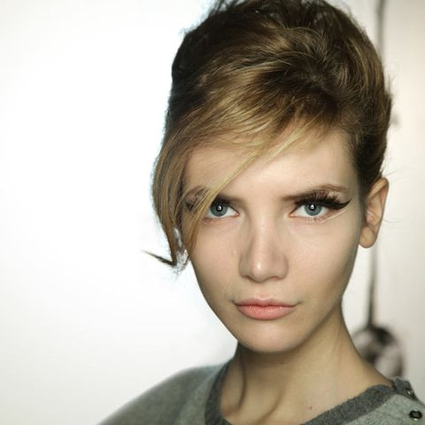 Lip, Cheek, Hairstyle, Chin, Forehead, Eyebrow, Eyelash, Style, Jaw, Iris,