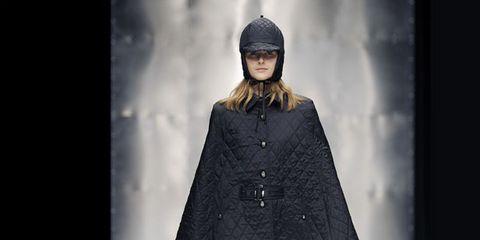 Clothing, Sleeve, Fashion show, Joint, Style, Fashion model, Winter, Runway, Knee, Street fashion,